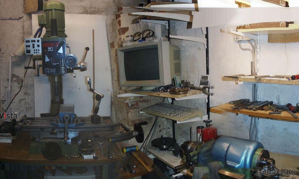 X-Achs-Vorschub mit Scheibenwischermotor (Radow © 2000-11)