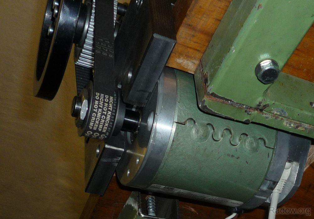 DC-Motor Y-Achse - Unteransicht (Radow © 2011)