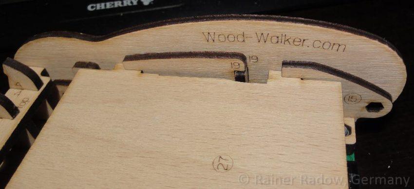 Wood-Walker Robot mit Laserbeschriftung (2015)