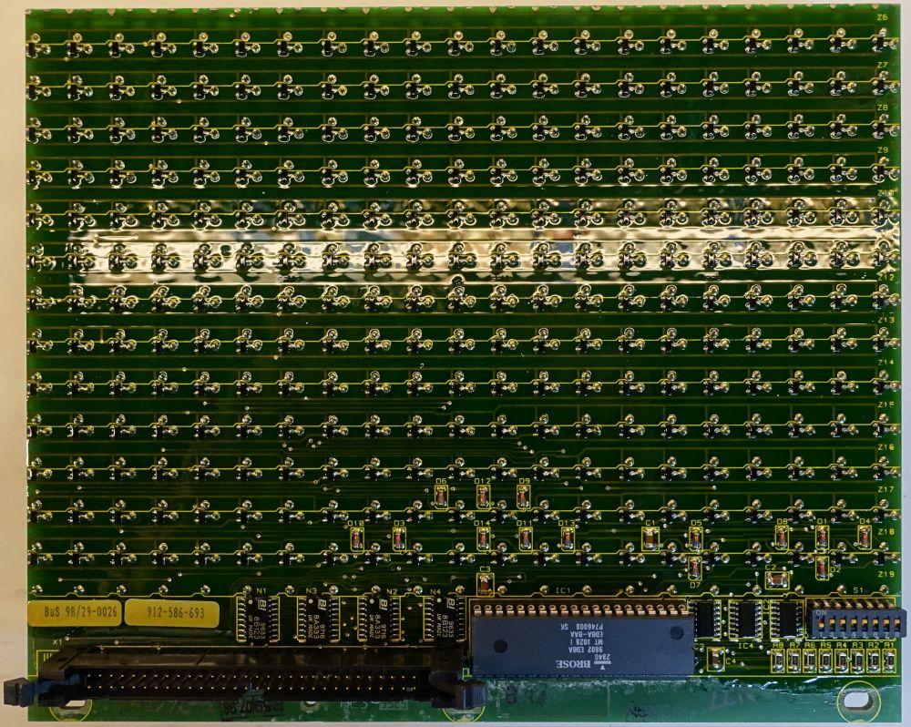 BROSE Flip-Dot Rückseite - rund 10 mm - gelb - 21 x 13 Dots