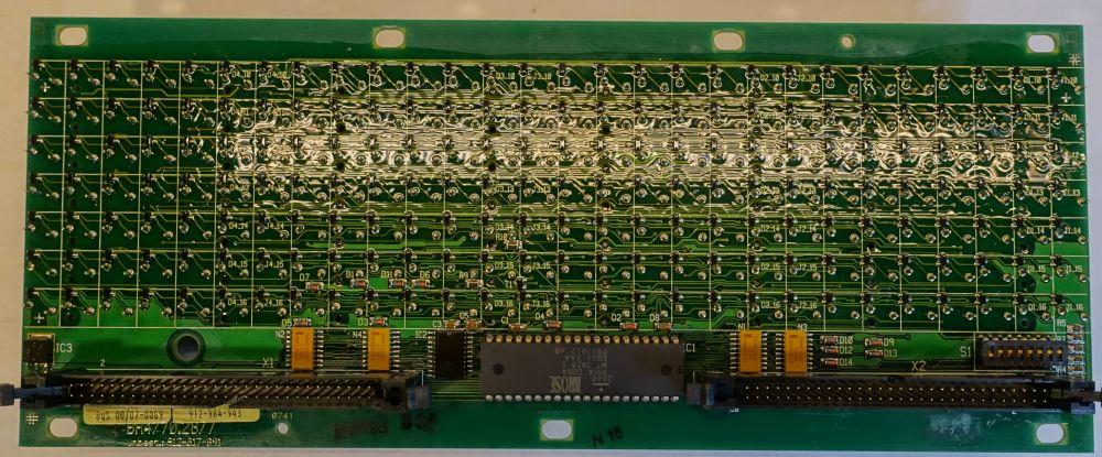 BROSE Flip-Dot Rückseite - rund 10 mm- gelb - 21 x 19 Dots