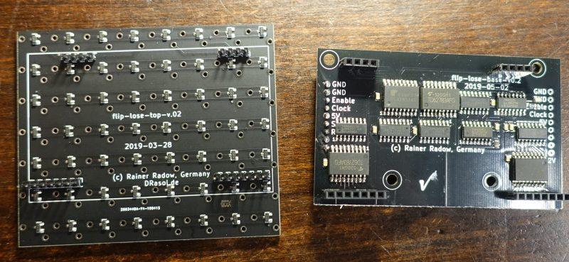 8x7-Dot Modul im Eigenbau. Links: Trägerplatine. Rechts: Leistungsplatine
